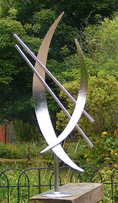 Etonnant Contemporary Garden Sculpture In Stainless Steel
